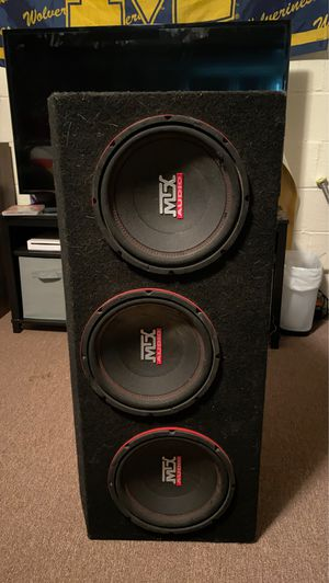 Photo MTX Audio Subwoofers in Box