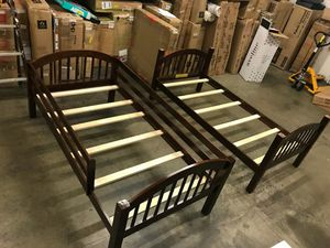 Photo Dana Wood Stains Twin/Twin Arch Stackable Bunk Bed, Cherry Finish