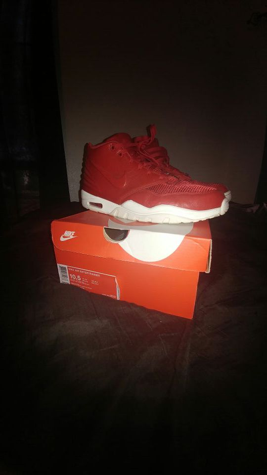 Nike Air Entertainer (Size 10.5)