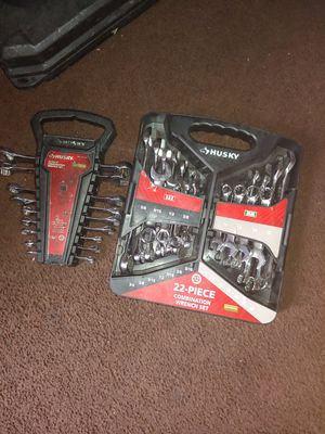 Husky 22 combination wrench set in a 12 piece wrench set for Sale in Washington, DC