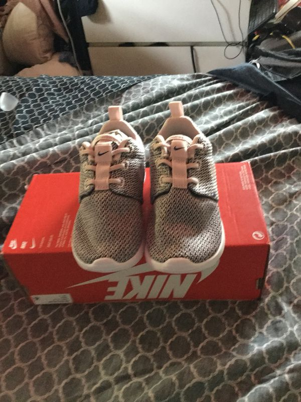 bfcb37b3130 ... reduced new nike roshe one girls fashion sneakers size 8c color rose  white for sale in ...