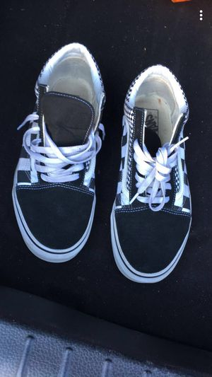 Low top vans for Sale in UNIVERSITY PA, MD