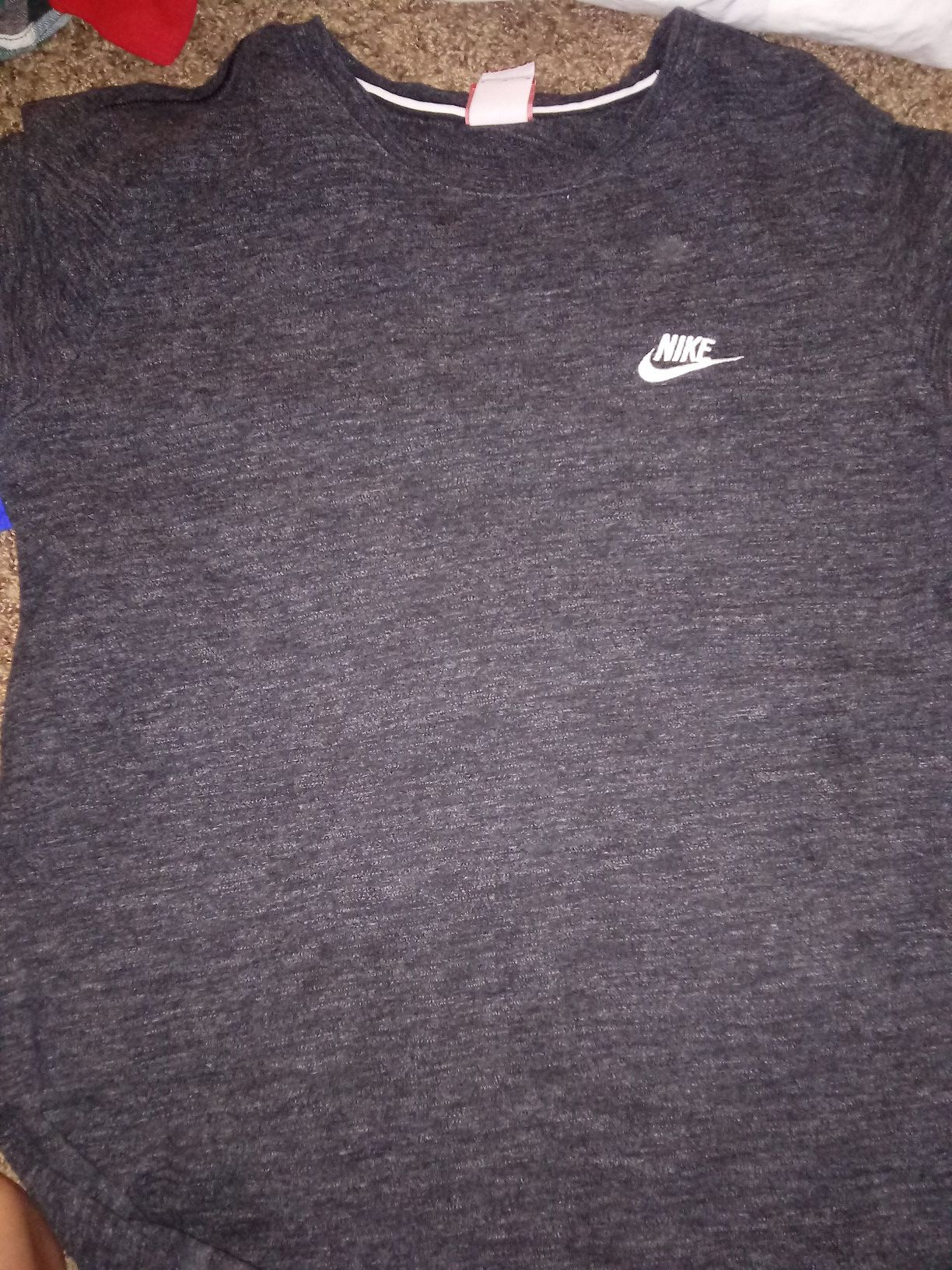 3 men's Nike shirts size MEDIUMS