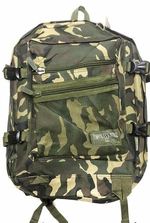 "Large 18"" Camouflage Backpack $15 for Sale in Carson, CA"
