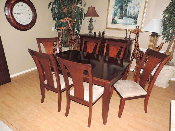 Macy\'s metropolitan dining room set for Sale in Palm City, FL - OfferUp