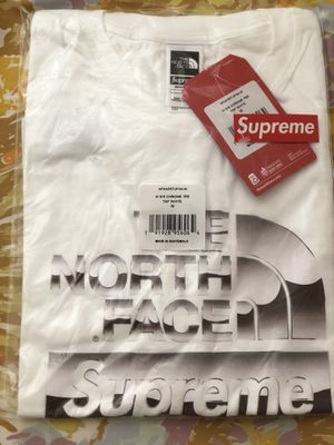 Supreme North face tee size medium for Sale in Silver Spring, MD
