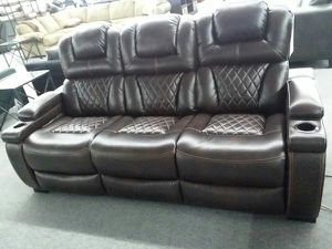 Power Recline with Adjustable headrest for Sale in Mesa, AZ