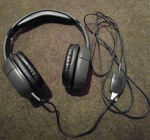 Plantronics Headphones + Mic for Sale in Pittsburgh, PA
