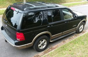 Ford Explorer Eddie Bauer- 2002- 3rd Row Leather Seats! for Sale in Baltimore, MD