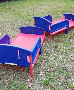 toddler bed with mattresses in San antonio for Sale in Austin, TX
