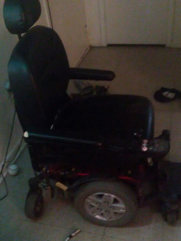 Q 6 edge electric wheelchair  for Sale in Suffolk, VA - OfferUp