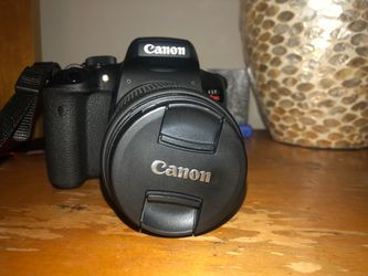 Canon EOS Rebel T6i with two lenses and charger Thumbnail