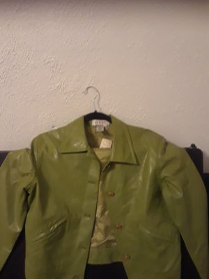 Real leather short, green color for Sale in Bladensburg, MD