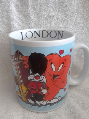 Vintage Looney tunes London mug for Sale in Weston, FL