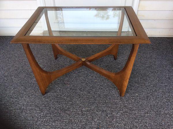 d053da2e7e5f Vintage Lane Walnut Glass Top End Table