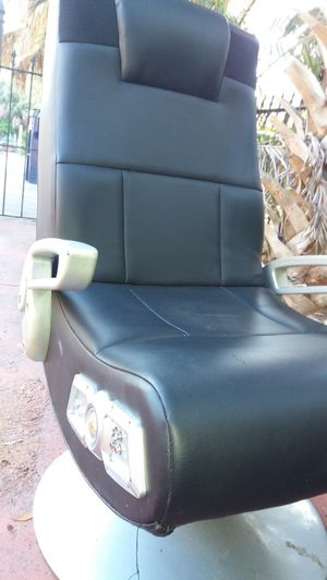 X rocker gaming chair for Sale in Tampa, FL
