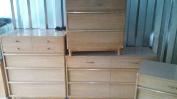 Kroehler Mid Century Modern Dresser Set Of 4 For Sale In Cleveland Oh Offerup