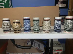 Photo Avon Miniature Beer Stein collection 7 Total all mint look 👀 at pics and disc