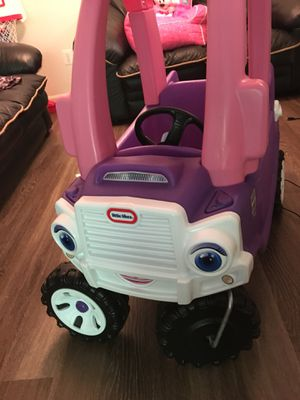 Really good condition little tikes cozy truck princess for Sale in Franconia, VA