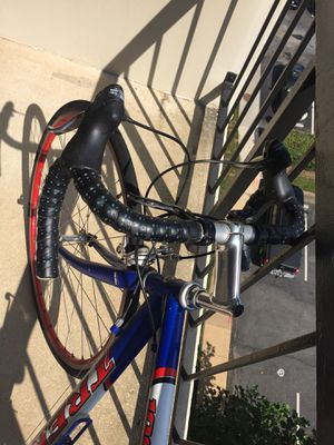 54 cm Trek road bike for Sale in Fairfax, VA