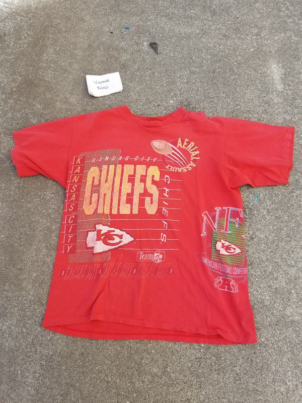 f26316134 Vintage Distressed NFL Kansas City Chiefs  Single-stitched Shirt - Size Men  XL