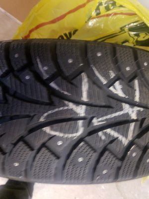 Free Winter pike 215/60r16 snow tire for Sale in Salt Lake City, UT