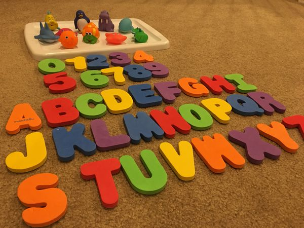 Foam letter and number bath set and water squirters for Sale in ...