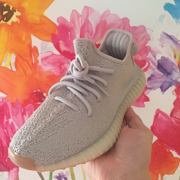 big sale ba678 75a26 Adidas Yeezy Boost V2 350 Sesame Kids size 6 Only for Sale in Windsor, CT -  OfferUp