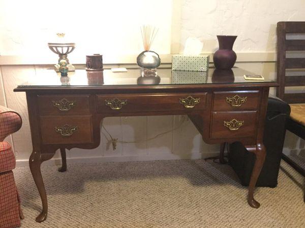 Queen Anne Desk >> Bassett Solid Cherry Queen Anne Desk For Sale In Dublin Oh Offerup
