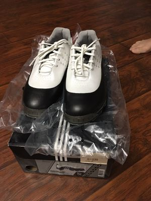 Women's golf shoes size 5.5 for Sale in Silver Spring, MD