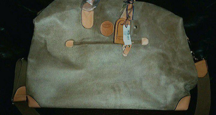 NWT MSRP $495..Brics Italy Duffle Bag