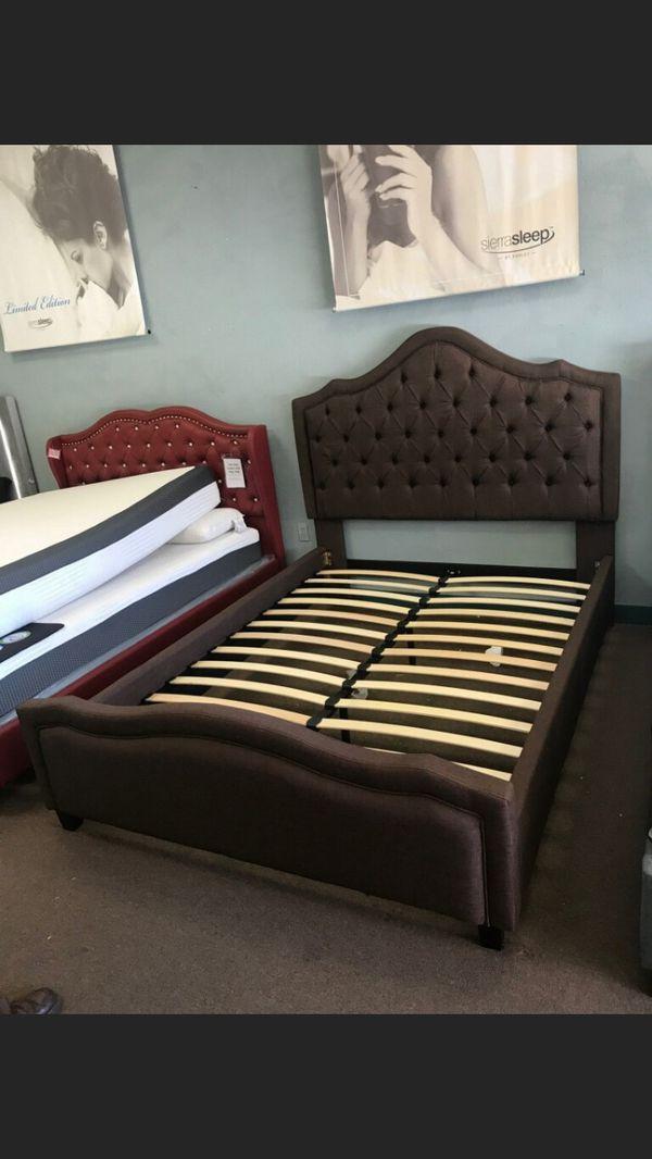 King bed frame for Sale in Glendale, AZ - OfferUp