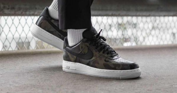 the latest f6153 54bcf NIKE AIR FORCE 1 07 LV8 823511 201 SIZE 10