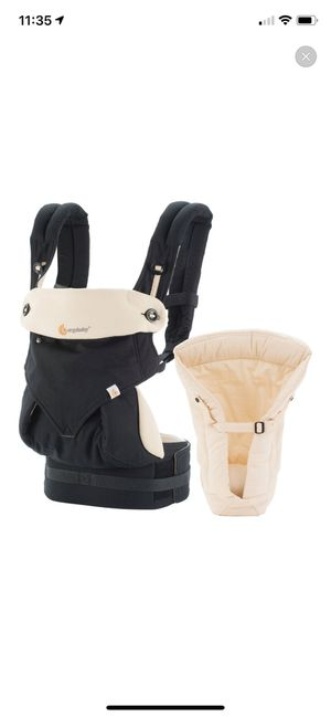 Ergo baby baby carrier with infant insert for Sale in Chula Vista, CA