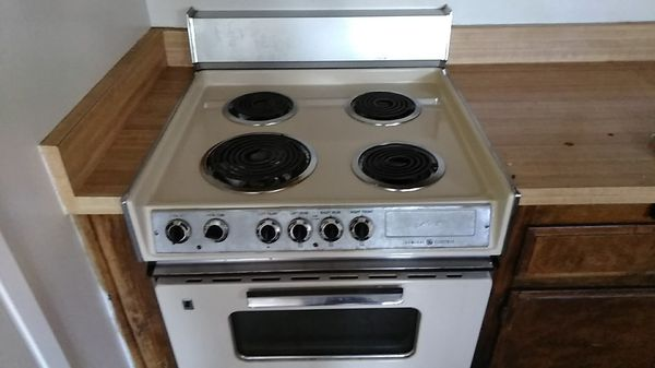 Ge Electric Mark 27 Range Top And Oven