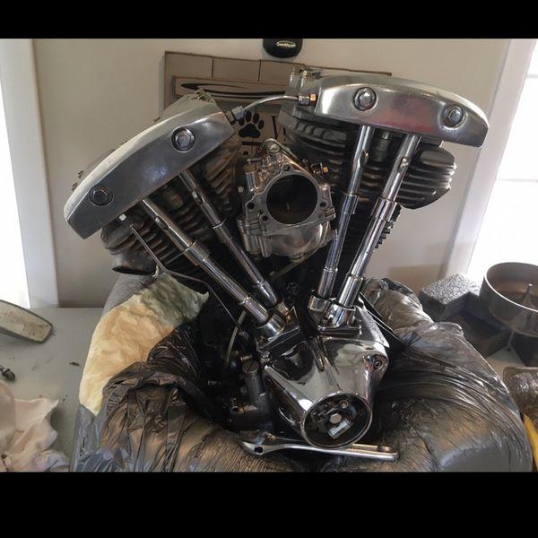 1983 harley shovelhead engine with s&s shorty carburetor.