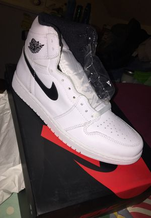 Yin yangs white size 10 for Sale in Manassas, VA