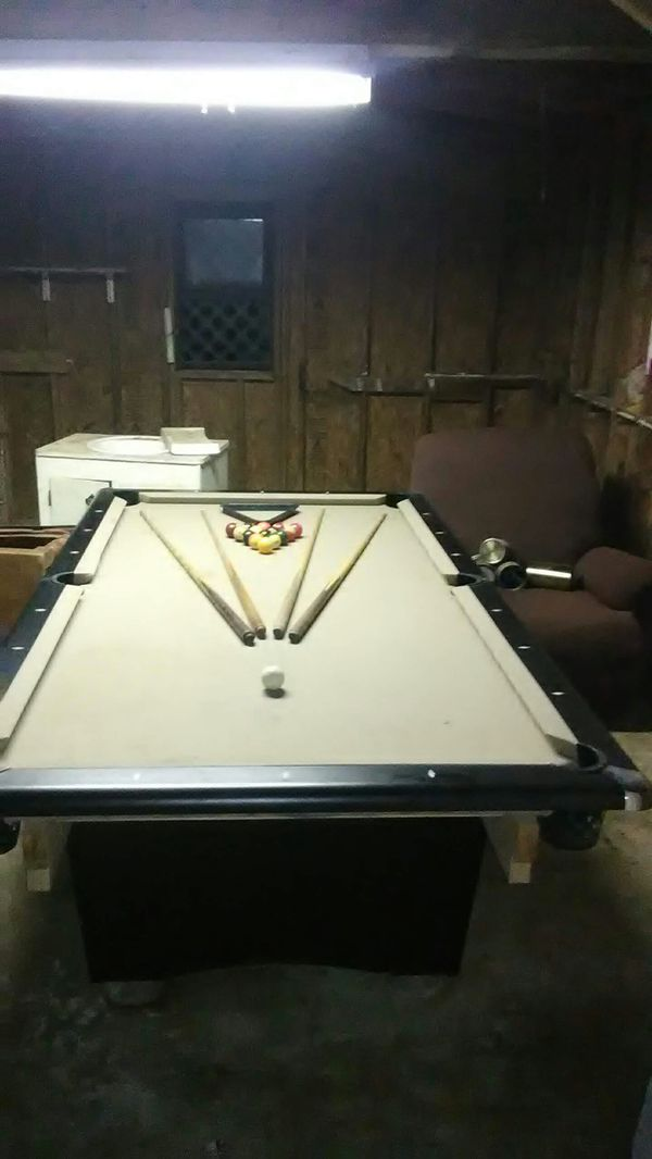 8 Ft Slate Pool Table With And Sticks For In Waterloo Sc Offerup