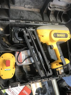 DEWALT DC618 Nail gun cordless 2 battery for Sale in Baltimore, MD