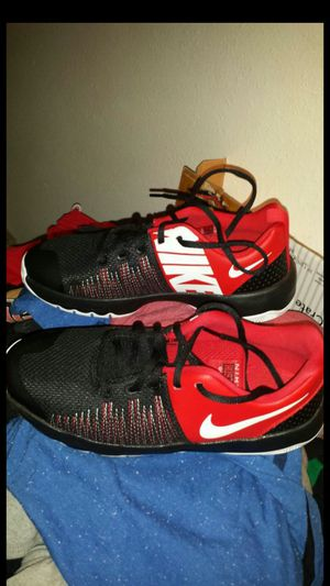 Nike youth boys 6.5 for Sale in San Antonio, TX