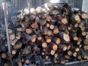 FIREWOOD 10 NUP for Sale in Parlier, CA