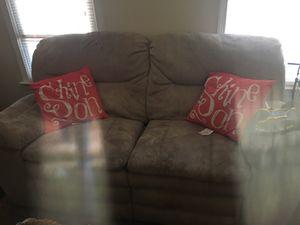 Recliner love seat for Sale in Midlothian, VA