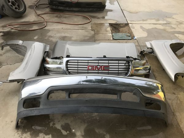 99-07 GMC Sierra Yukon Denali front end chevy Silverado Tahoe suburban swap  for Sale in March Air Reserve Base, CA - OfferUp