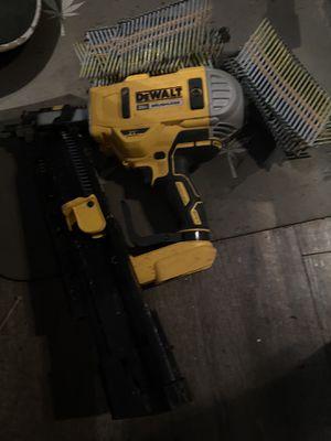 Photo Dewalt framing gun 20v