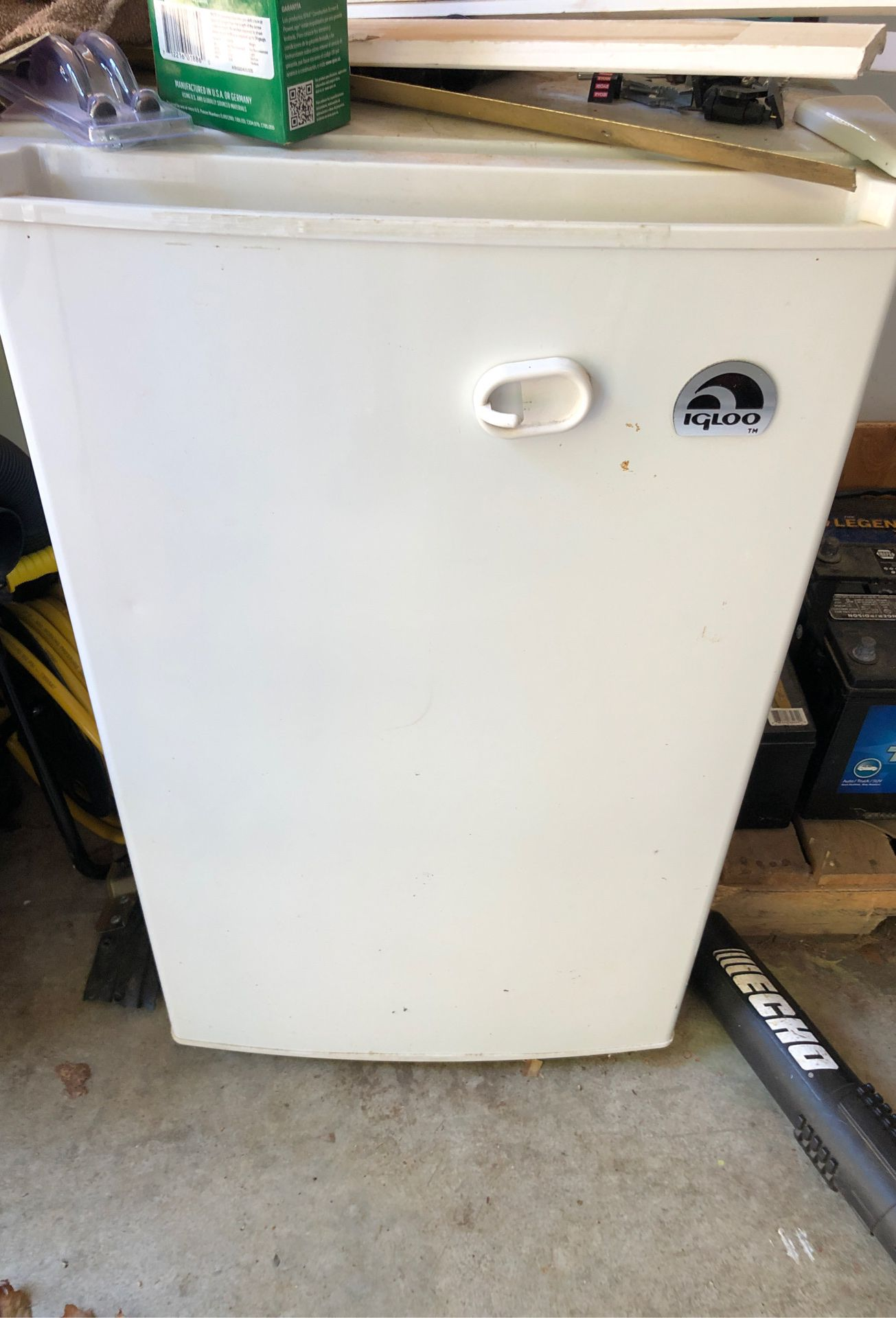 New mini fridge. Bought it for my RV and it didn't fit. Never used it and just sitting in my garage.