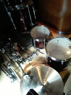 Tama 5 piece brand new drum set including Hardware and symbols and seat Thumbnail