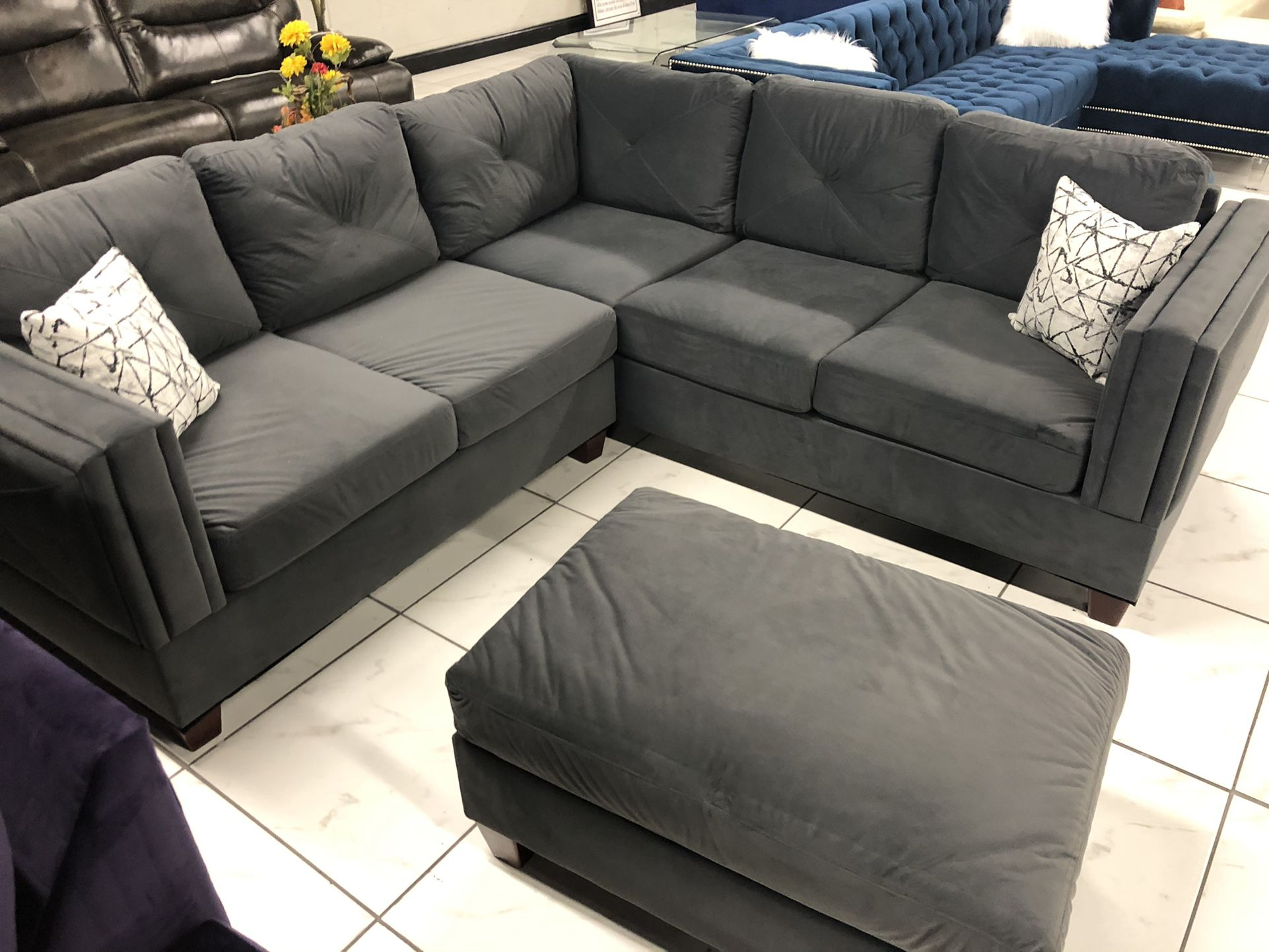 """""""L"""" Shape Sectional With FREE Ottoman"""