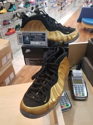 Nike Foamposite One Metallic Gold Size 10.5 for Sale in Kensington, MD