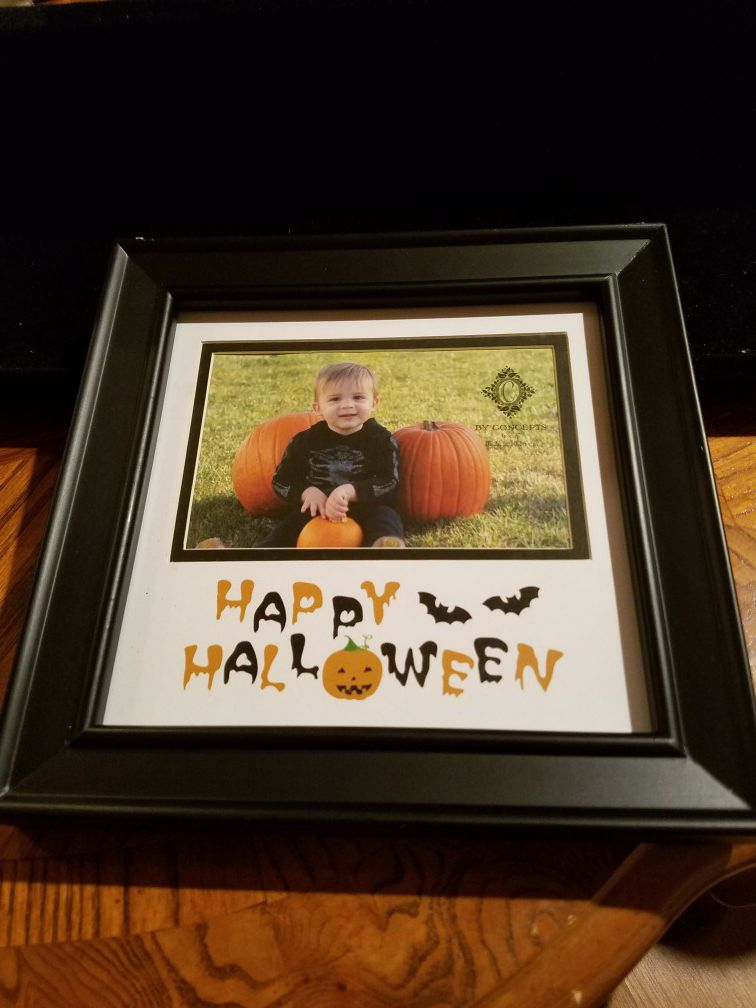 Halloween picture frame