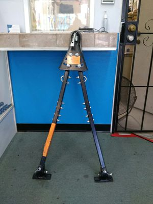 CLEARANCE - $89.99 - REESE Towpower Adjustable Tow Bar, Solid Rail, 5,000-Lb. Capacity 7014200 A3434V for Sale in Spring Valley, CA